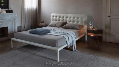 кровать со стеганной строчкой от  ALIVAR